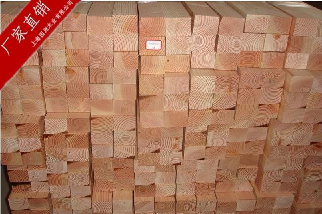 这种木材可以顺纹里形状加工成 多种产品,表面容易上漆,并可以保持