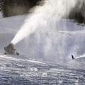 大型國產造雪機打造滑雪場