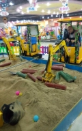一挖挖一天 小朋友喜歡的兒童玩具 兒童挖掘機