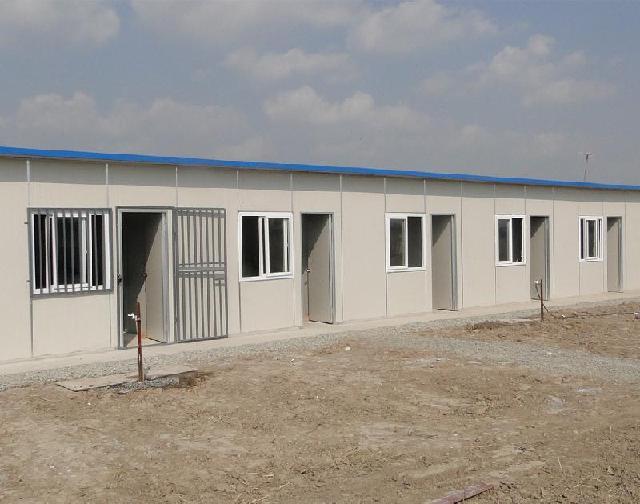 海拉尔正恒彩钢钢构有限公司是一家集设计、生产、销售、施工为一体的专业化企业。产品在同行中更具价格优势。彩钢活动房其特点为:可随意拆装、便于运输、移动方便。不占用空间,保温彩钢房的稳定性耐久性强,外表美观大方。彩钢房现场安装,既不破坏环境又绿色环保,不仅具有实用价值,更具观赏价值,能给你带来高额的回报,保温活动房一次性投资终身受益。