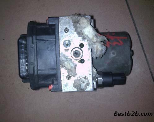 宝马x5abs泵 发动机 缸盖 启动马达 节温器 刹车大力鼓