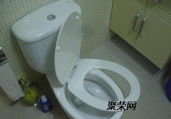 太原东中环路修马桶漏水更换角阀马桶盖