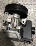奔馳c200c180w204w205方向機助力泵 奔