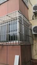 北京東城北新橋陽臺防護窗護欄安裝防盜門圍欄