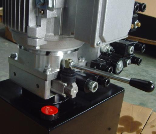 液压压力机动力单元 锻压机液压站图片