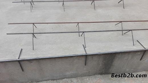 拉直后的圆8mm(6mm,8mm,10mm)钢筋,取其长度等于楼梯间踏步宽度,护角