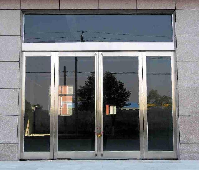 玻璃门,地弹簧,钢化玻璃门 主要产品有防火卷帘门  欧式卷帘门  水晶