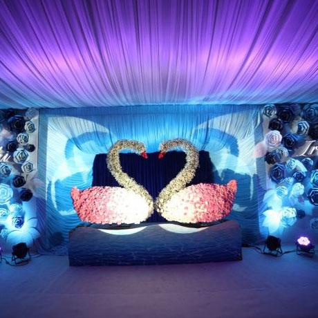 专业设计制作安装情人节婚庆泡沫雕塑