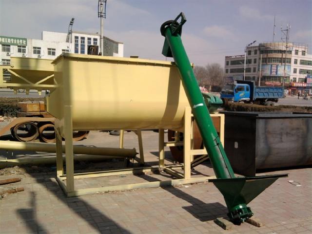 供应2015最新hg700立式饲料粉碎搅拌机图片