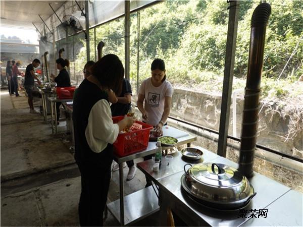 廣州周邊農家樂柴火飯燒烤場休閑聚餐一日游