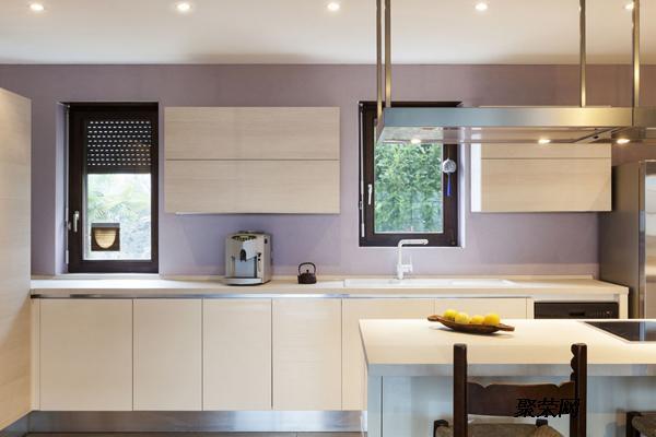 开放式厨房装修设计能够节约空间,诸如说,十分适合小户型的家庭所使用