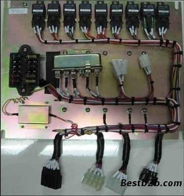 福田雷沃fr60 fr65挖掘机电路安装板 电器板