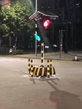 重慶移動交通紅綠燈多相位控制器太陽能臨時信號燈帶觸