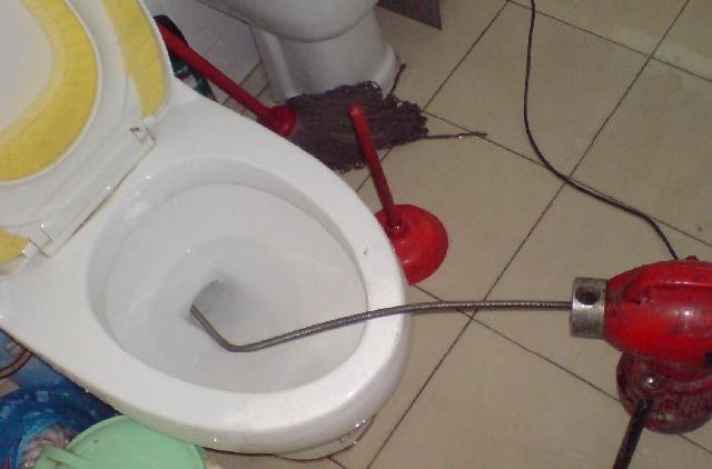 通各类下水管道,马桶