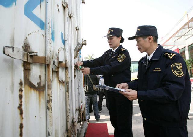 青岛设备清关公司,青岛港设备报关代理          进口顾问:胡昊天