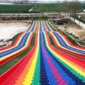河北保定七彩滑道網紅彩虹旱雪滑道游樂設備人氣高