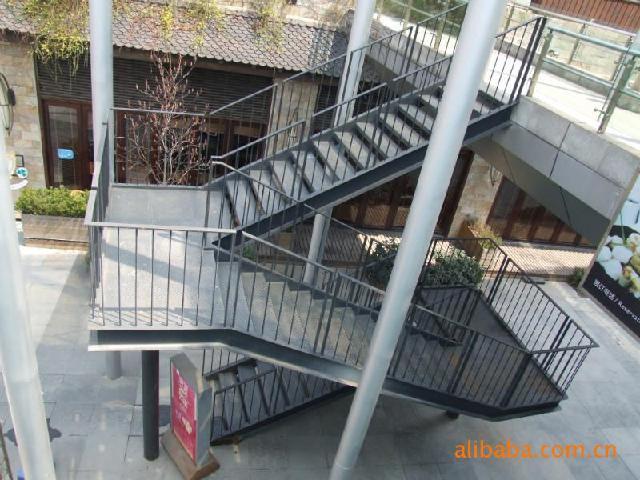 钢结构仓库,钢结构楼房,钢构别墅,钢构楼房,钢结构别墅,钢结构楼梯,钢