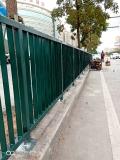 东莞汽车站公路上的护栏石龙路公?#38450;?#26438;锌钢护栏规格定做