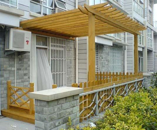 防腐木花架的设计主要根据场地大小,功能和个人爱好等,花架的材质一般