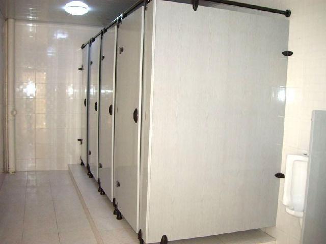 卫生间淋浴隔断门-搜房装修效果图   现代卫生间淋浴房隔断