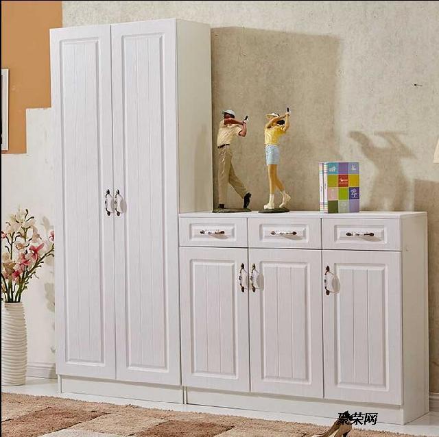 材料有:生态直接板,烤漆板,免漆实木生态板,密度板烤漆柜,罗马柱,吸塑