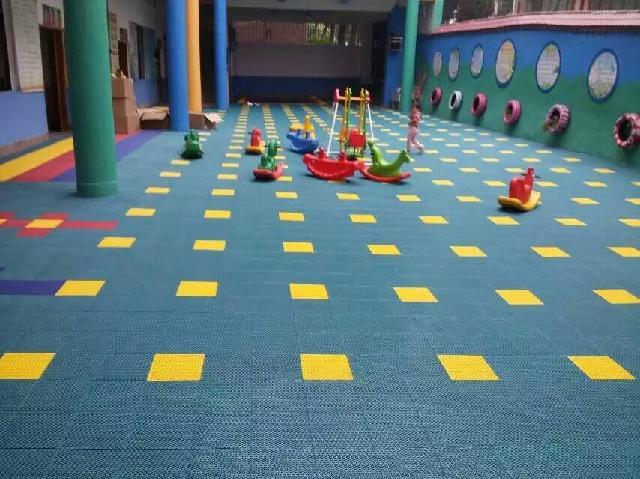 幼儿园体育器械组装