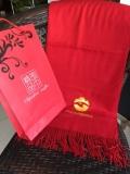 西安紅圍巾、年會羊絨紅圍巾繡字