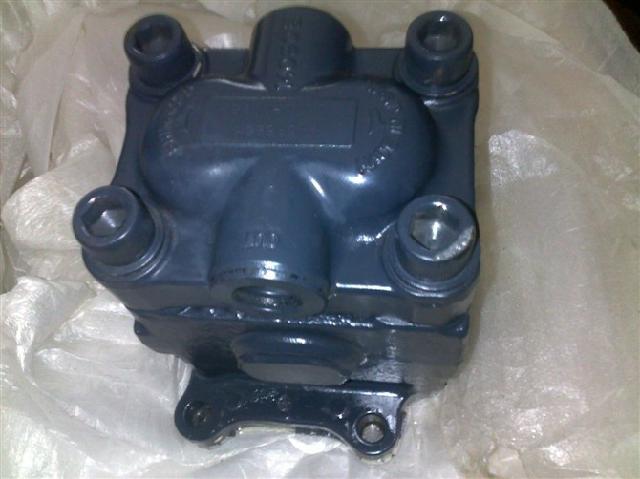 小松200-5 液压泵 结构图 分解