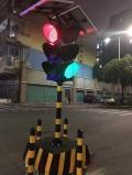 廣東太陽能臨時信號燈交通燈工廠太陽能移動紅綠燈多時