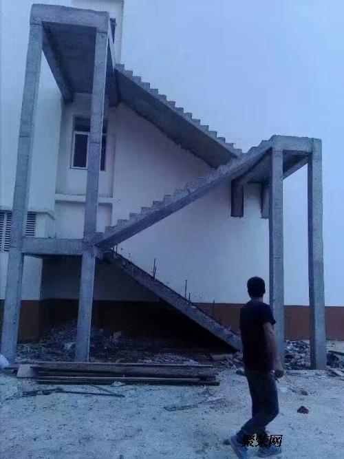 石家庄钢结构楼梯▉浇制混凝土楼梯▉室内外消防楼梯